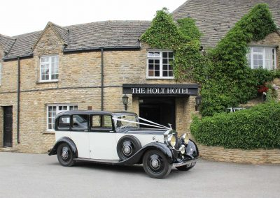 holt-hotel-bar-wedding-car-2